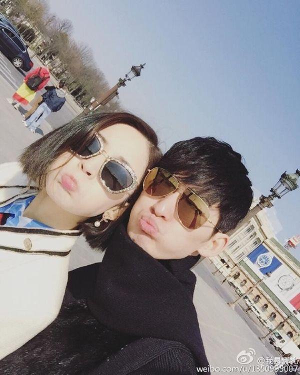 Trương Hàn và Cổ Lực Na Trát luôn dành thời gian ở bên nhau dù lịch trình bận rộn.