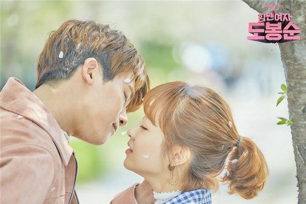 """Song- Song vừa cưới, Park- Park chính là cặp đôi đang được các fan mong """"cập bến"""""""