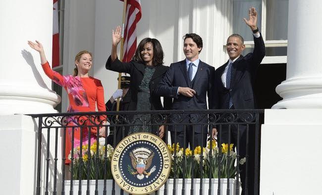 Chuyện tình như trong truyện cổ tích của vợ chồng Thủ tướng Canada