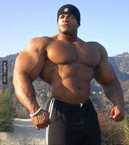 16 chàng trai cơ bắp yêu thích tập gym 'không biết điểm dừng', #3 cánh tay không thể khép lại