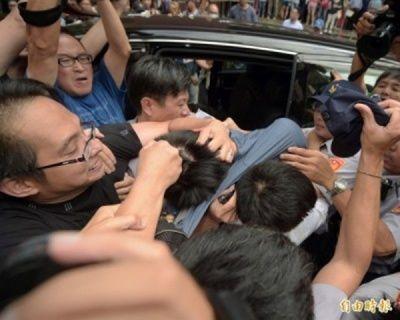 Sinh viên người Đài Loan liên tiếp sát hại 2 chú mèo khiến dư luận phẫn nộ, ẩu đả ngay tại tòa án