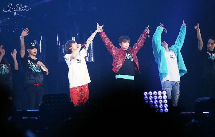 """Bốn thành viên cùng """"cháy"""" hết mình với người hâm mộ trong hai đêm concert đầy ấn tượng."""