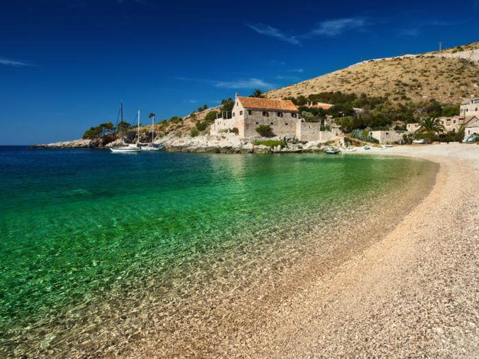 Trải nghiệm cảm giác thiên đường tại 10 hòn đảo đẹp nhất thế giới