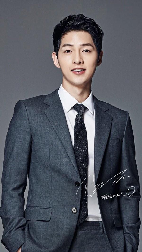 Song Joong Ki xuất sắc đạt ngôi vương trong BXH danh giá vừa được công bố.