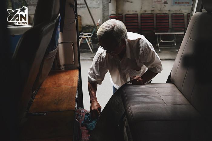 Thầy giáo già và chuyến xe tuổi thơ của bao thế hệ học trò ở Sài Gòn