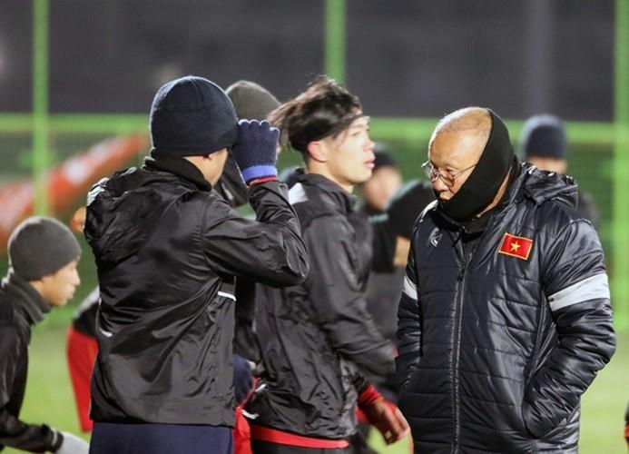 Thời tiết lạnh giá ở Trung Quốc có thể gây ảnh hưởng thế nào đến sức khỏe các cầu thủ U23 Việt Nam?