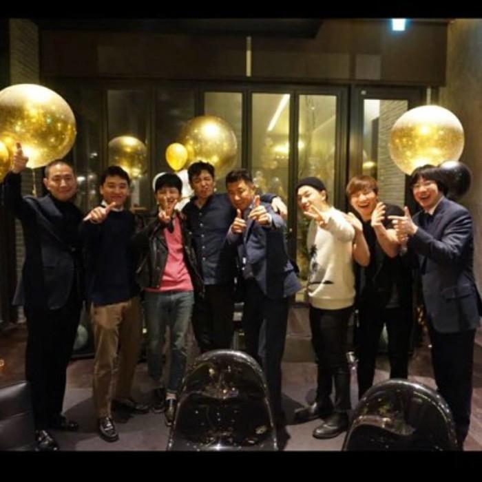 Các chàng trai đã có một buổi tiệc đầy vui vẻ tiễn G-Dragon và Taeyang lên đường nhập ngũ.