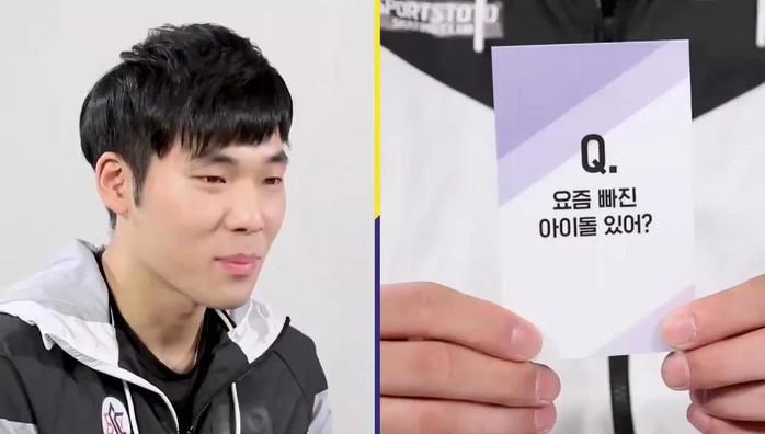 Khi nhận được câu hỏi về idol Kpop yêu thích nhất VĐVKim Do Kyoum đã không ngần ngại đưa ra đáp án là BTS.