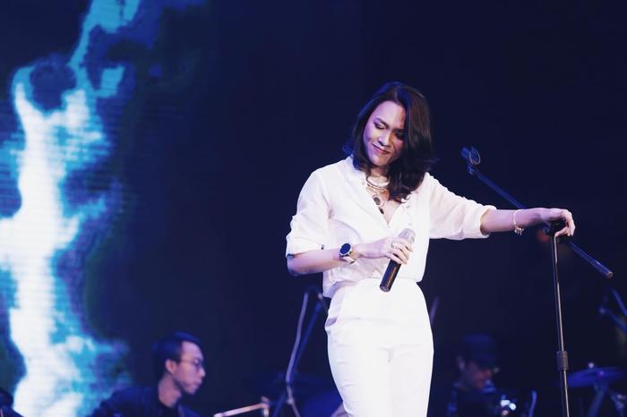 Showbiz Việt và