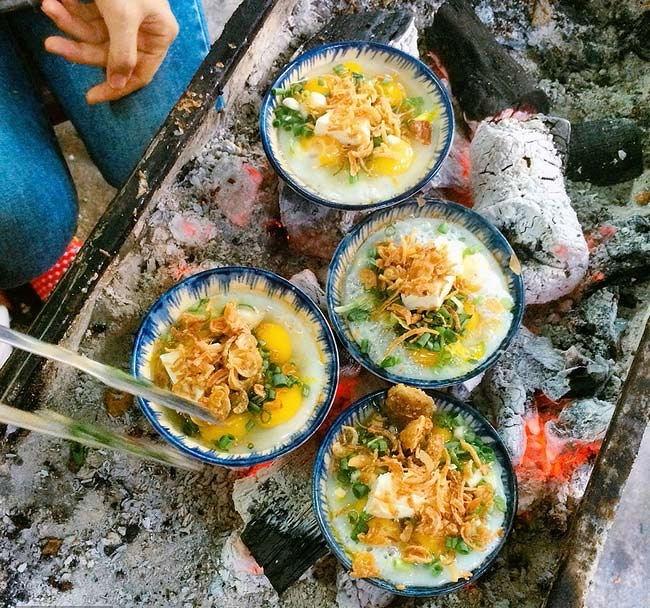 Top 10 món ăn vặt đường phố khiến thực khách Hà Nội chấp nhận