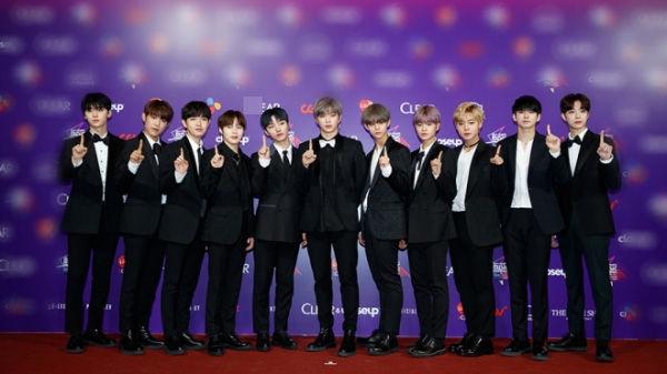 Wanna One gây xôn xao với tour thế giới: Các Wannable Việt được dịp mừng lây