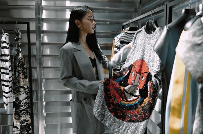 Châu Bùi là đại diện duy nhất của Việt Nam dự show Louis Vuitton ở Pháp