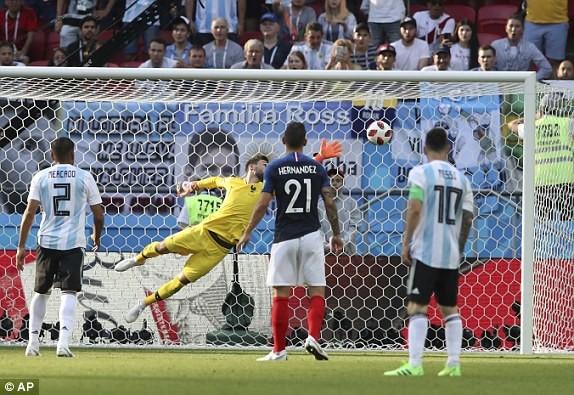 Bàn thắng gỡ hòa cho Argentina.