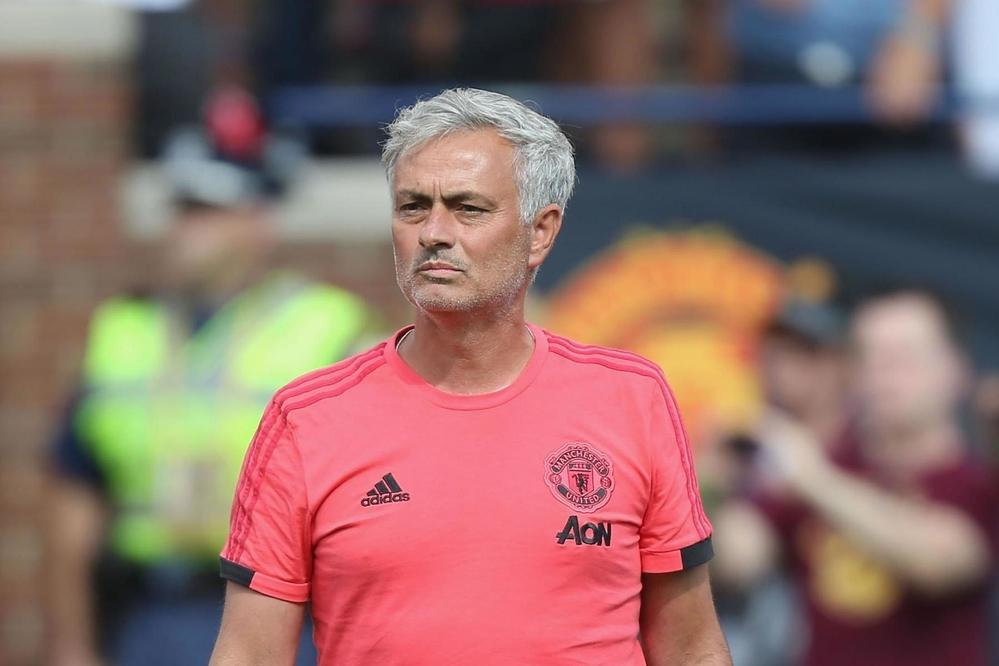 """Mourinho muốn """"tháo chạy"""" khỏi Old Trafford?"""