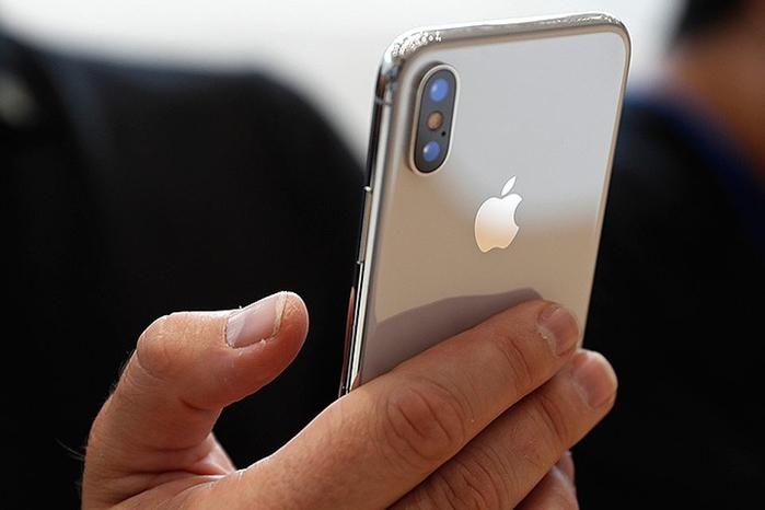 Ngay cả Applecũng đang áp dụng camera lồi trên iPhone X