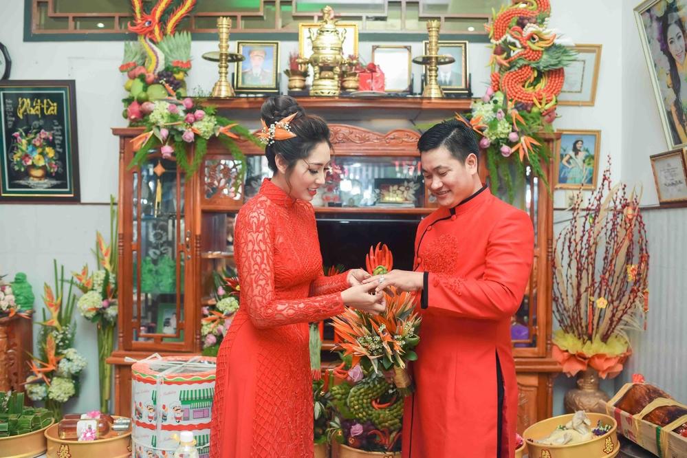 Hoa hậu Đại dương Đặng Thu Thảo và chồng đại gia rực đỏ trong lễ đính hôn - Tin sao Viet - Tin tuc sao Viet - Scandal sao Viet - Tin tuc cua Sao - Tin cua Sao