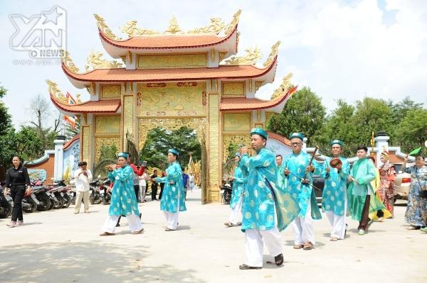 Nhà thờ Tổ 100 tỷ của Hoài Linh được trang hoàng lộng lẫy, rực rỡ sắc màu trước giờ cúng Tổ - Tin sao Viet - Tin tuc sao Viet - Scandal sao Viet - Tin tuc cua Sao - Tin cua Sao
