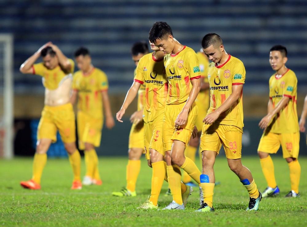 Nam Định không muốn phải xuống chơi tại hạng nhất khi chỉ mới trở lại đấu trường V.League.
