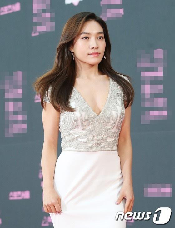 Choi Hee Seo.