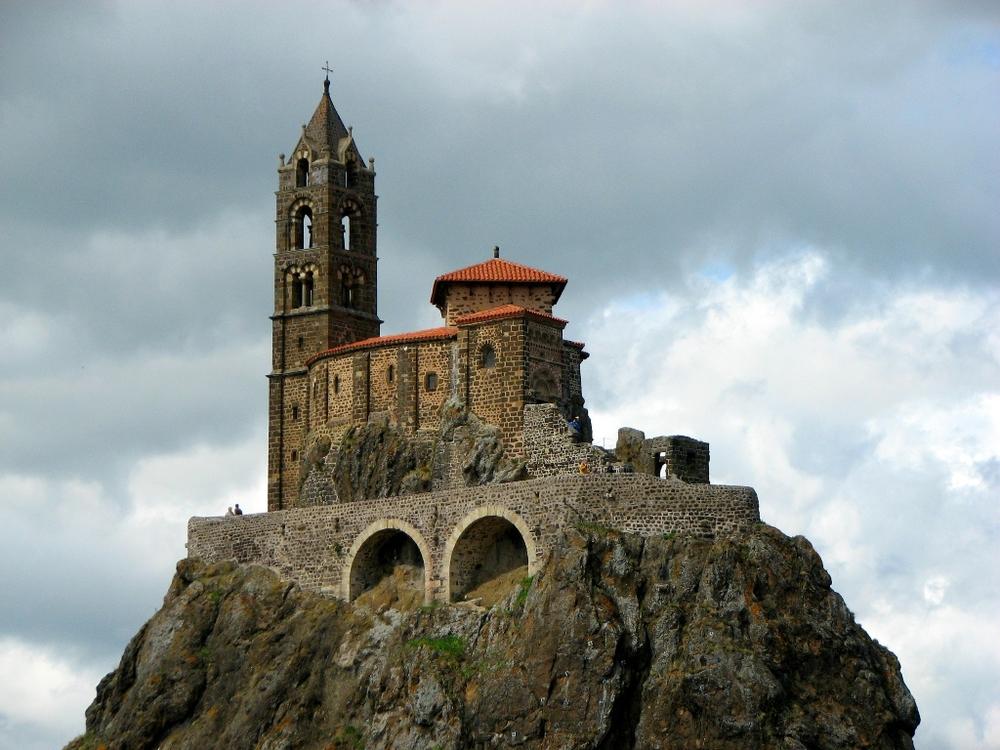 Top 5 kỳ quan kiến trúc trên vách đá nổi tiếng thế giới