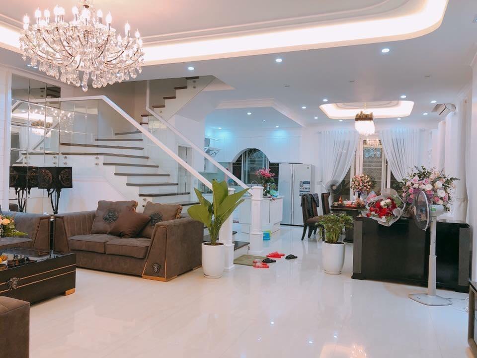 Cận cảnh không gian sang trọng bên trong căn biệt thự 16 tỷ của nam ca sĩ Quang Hà.
