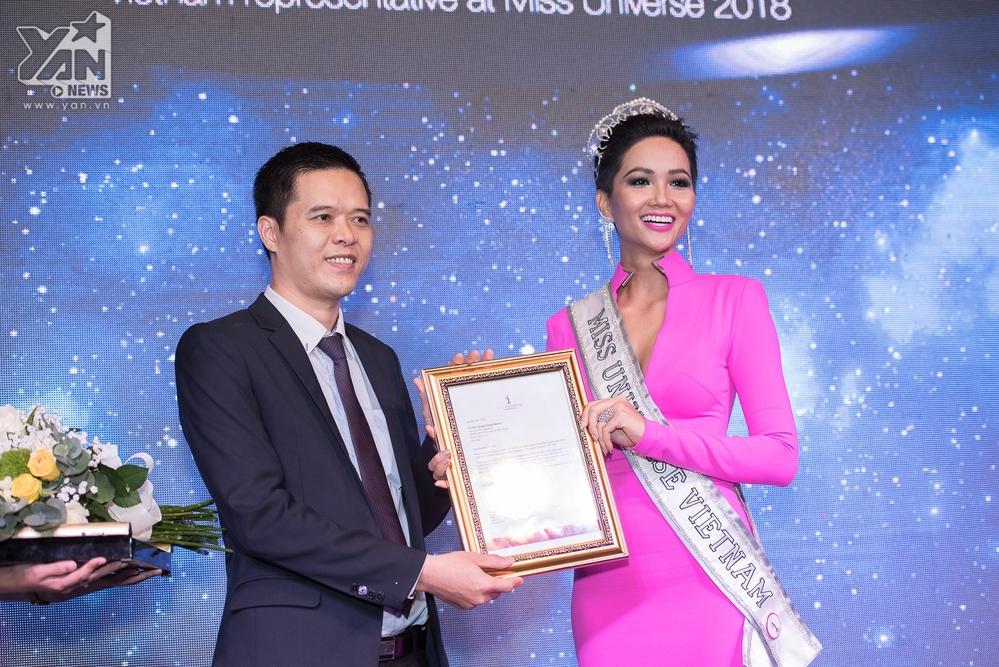 Hoa hậu H'Hen Niê – Trái tim tôi muốn nổ tung vì hạnh phúc - Tin sao Viet - Tin tuc sao Viet - Scandal sao Viet - Tin tuc cua Sao - Tin cua Sao