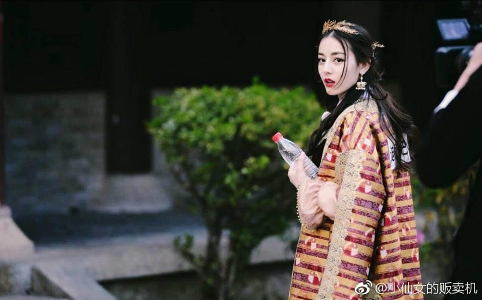Fan Nhiệt Ba cũng không vừa khi cạch mặt Keep Running vì thần tượng không tham gia.