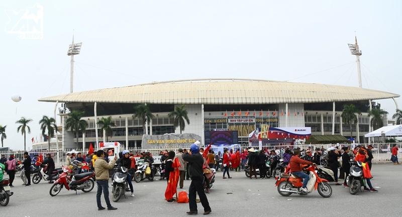 CĐV Việt Nam nhuộm đỏ sân Mỹ Đình, tất cả đã sẵn sàng cho đêm chung kết lịch sử!
