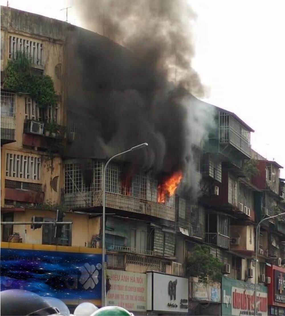 Hà Nội: Cháy lớn tại khu tập thể