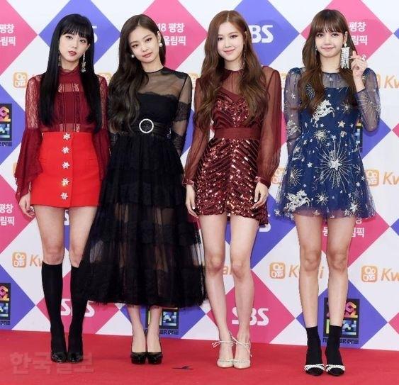 Hé lộ bằng chứng stylist YG miệt thị, khinh thường Lisa - Rosé, thiên vị Jennie thấy rõ