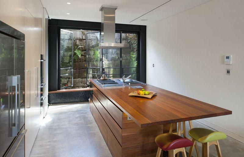 Khunấu ăn được kết hợp chung trên 1 chiếc bàn thế này giúp tạo nên nét riêngcho căn bếp