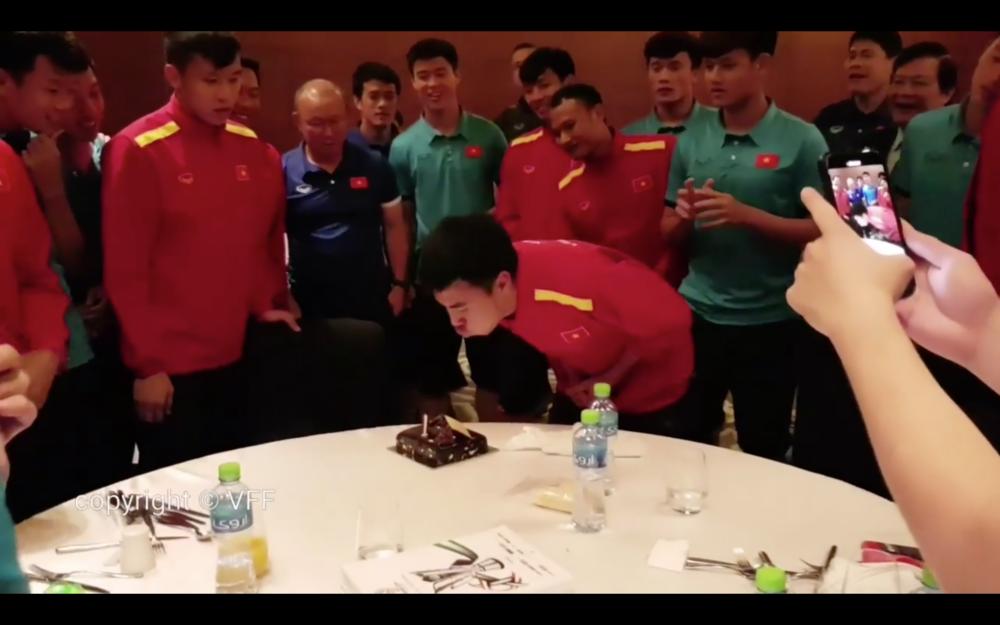 Đội tuyển Việt Nam mừng sinh nhật