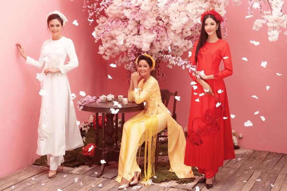 H'Hen Niê, Hoàng Thùy, Mâu Thủy diện áo dài hoá nàng Xuân, ai nổi bật hơn ai?