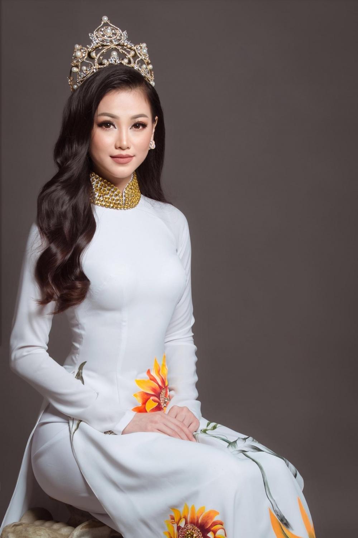 4 nàng Hậu Việt đăng quang năm 2018: Không ai qua được Hương Giang khoản thần thái - Tin sao Viet - Tin tuc sao Viet - Scandal sao Viet - Tin tuc cua Sao - Tin cua Sao