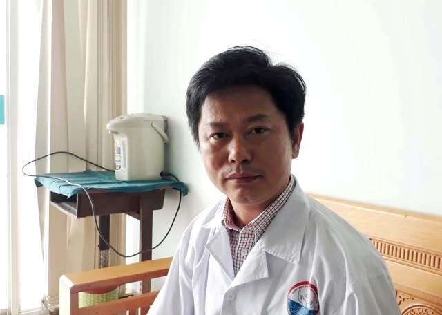 Thạc sĩ, bác sĩLê Văn Lâm- trưởng khoa Hồi sức tích cực - chống độcBệnh viện Đa khoa tỉnh Quảng Trị cho biết cách làm này khiến quá trình chuyển hóa Metylic trong cơ thể bệnh nhân chậm đi