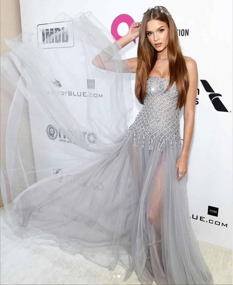 Josephine Skriver điệu đà như một nàng công chúa. Người đẹp26 tuổi, cao 1,79m bắt đầu làm việc với hãng Victoria's Secret từ năm 2011 và chính thức trở thành thiên thần Victoria's Secret năm 2015.