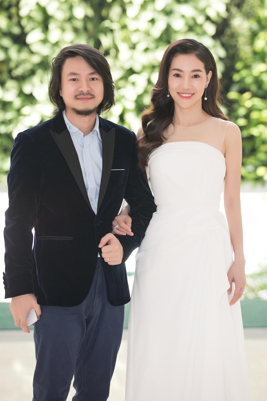 """Giữ vai trò trưởng BTC là bà """"trùm Hoa hậu"""" Phạm Kim Dung,bên cạnh là Hoàng Nhật Nam Tổng đạo diễncho cuộc thi Miss World Việt Nam lần thứ nhất."""