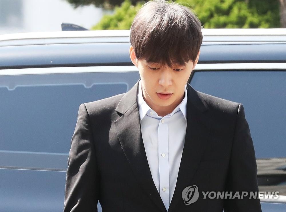 Hậu dương tính với chất cấm, Yoochun bị công ty đơn phương cắt hợp đồng và giải nghệ khỏi Kpop
