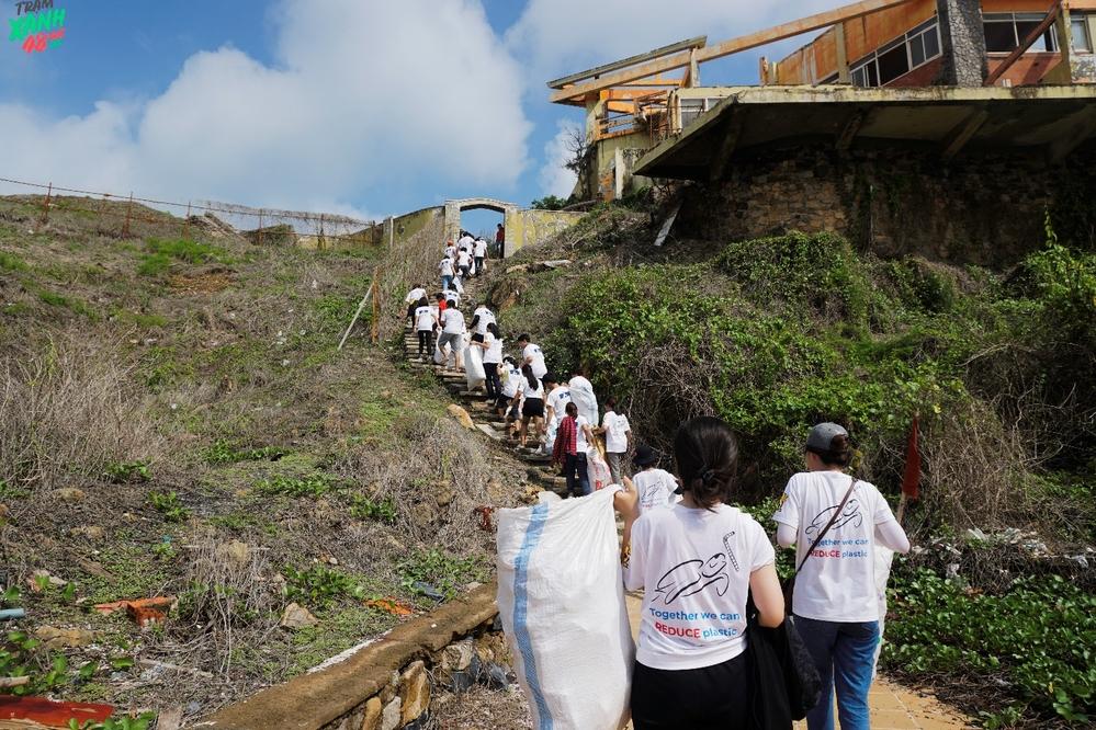 Hành trình đã được sự ủng hộ đông đảo của các bạn sinh viên -CLB Truyền thông ĐH Kinh tế - Luật (UEL360).