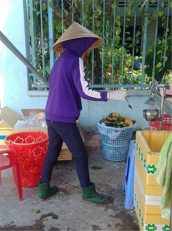 Hình ảnh cô bán nước cam