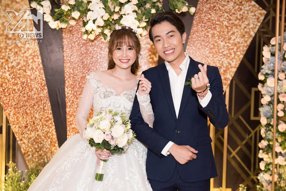 Không gian đám cưới cổ tích cực sang trọng của Cris Phan - Mai Quỳnh Anh ở TP.HCM - Tin sao Viet - Tin tuc sao Viet - Scandal sao Viet - Tin tuc cua Sao - Tin cua Sao