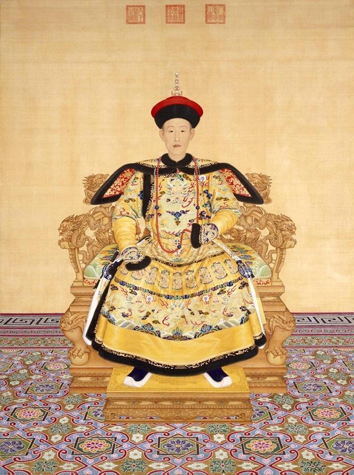 Hóa ra hơn 300 năm trước, Hoàng đế Càn Long đã biết được xu hướng thời trang hiện nay