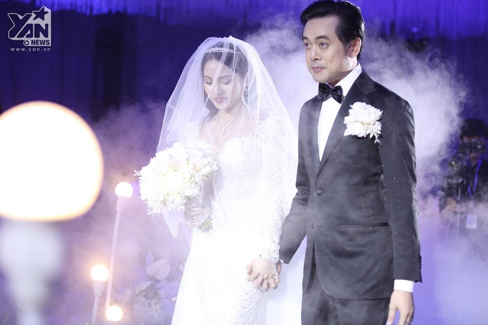 Những khoảnh khắc đẹp như mơ trong đám cưới của Dương Khắc Linh và Sara Lưu