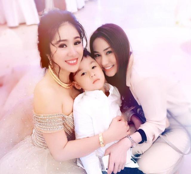 """Khi Lê Phương trở thành """"bà mẹ 2 con"""" thì Ngân Khánh và ông xã vẫn là vợ chồng son. - Tin sao Viet - Tin tuc sao Viet - Scandal sao Viet - Tin tuc cua Sao - Tin cua Sao"""