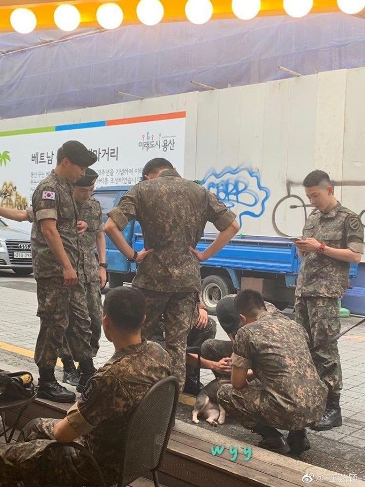 Bắt gặp boygroup idol của Bộ quốc phòng, netizen xôn xao: Nhóm nhạc nam đỉnh nhất chuẩn bị debut!