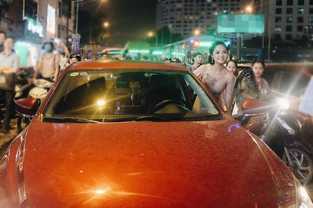 Trước đó, Thu Quỳnh cũng đã sở hữu chiếc xe riêng có giá trị 700 triệu đồng. - Tin sao Viet - Tin tuc sao Viet - Scandal sao Viet - Tin tuc cua Sao - Tin cua Sao
