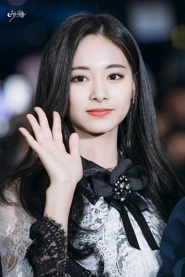 Tzuyu xứng danh nữ thần Kpop thế hệ mới.