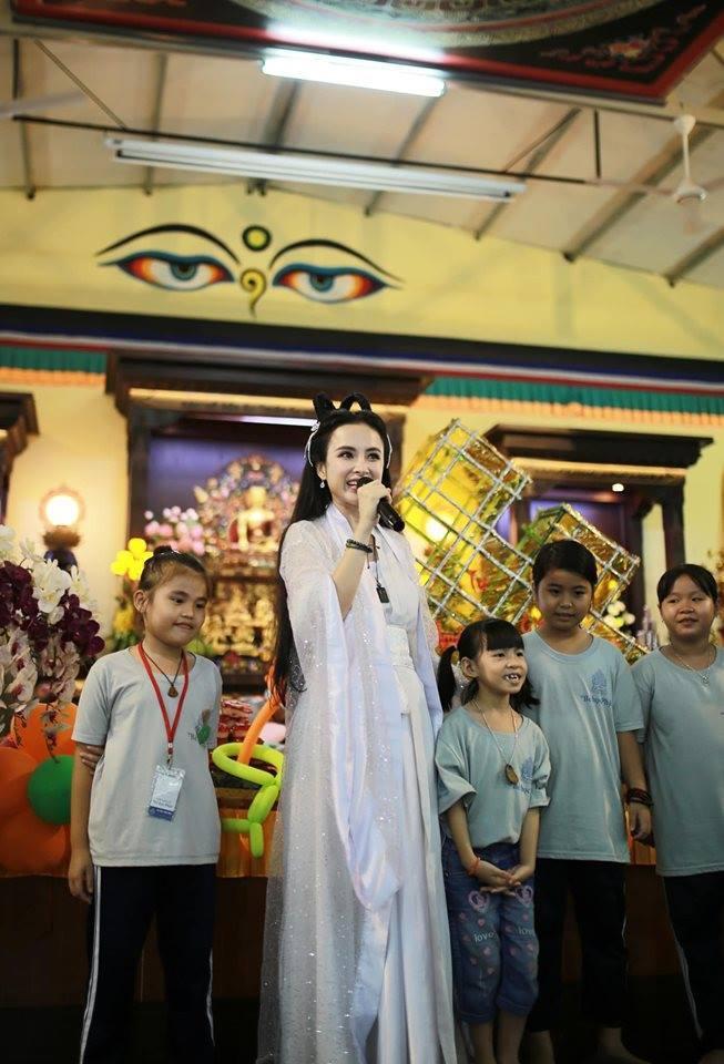 Angela Phương Trinh hóa chị Hằng, CĐM xuýt xoa:
