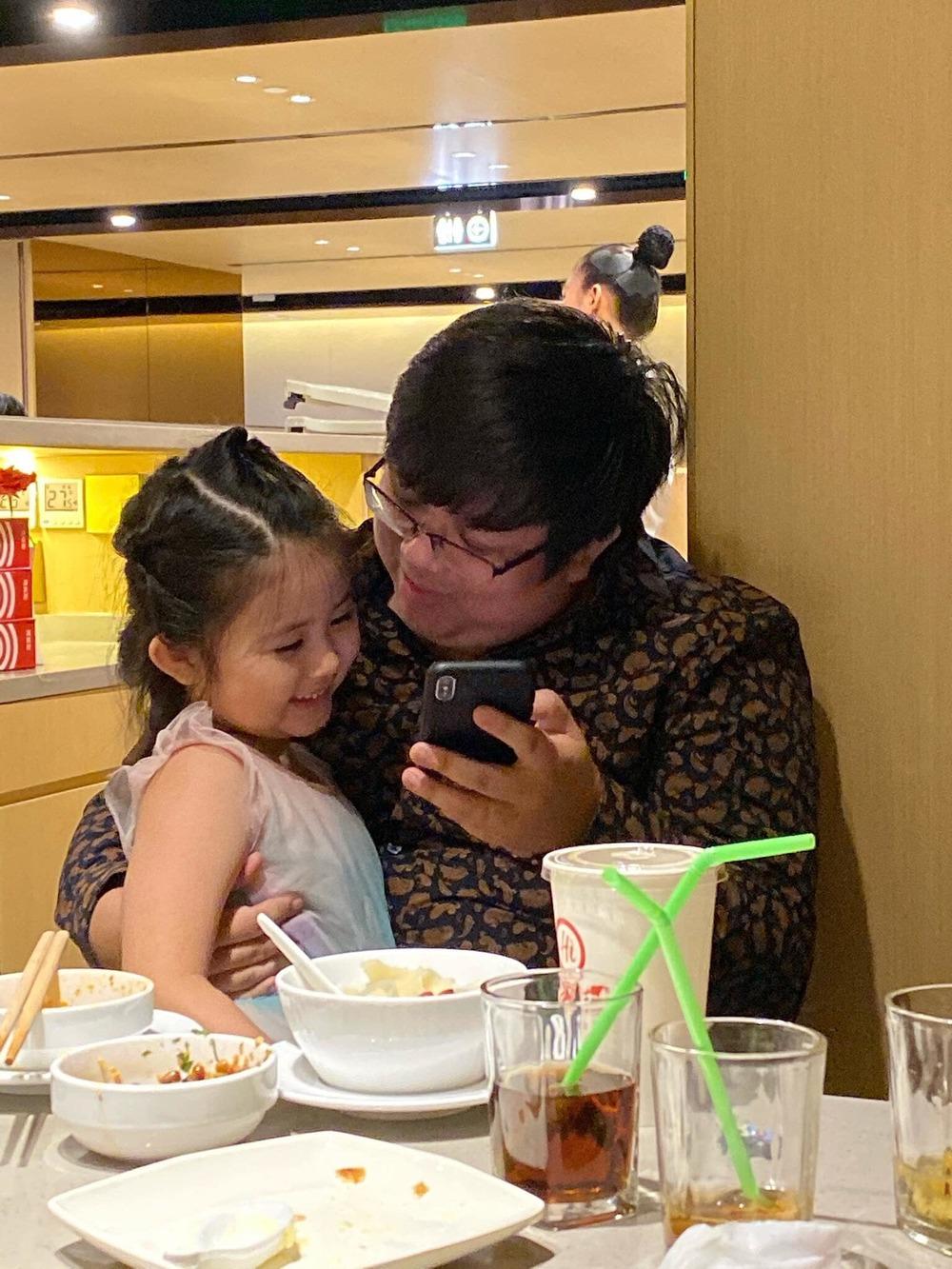 Gia Bảo đón sinh nhật cùng con gái sau thời gian đòi quyền nuôi con - Tin sao Viet - Tin tuc sao Viet - Scandal sao Viet - Tin tuc cua Sao - Tin cua Sao