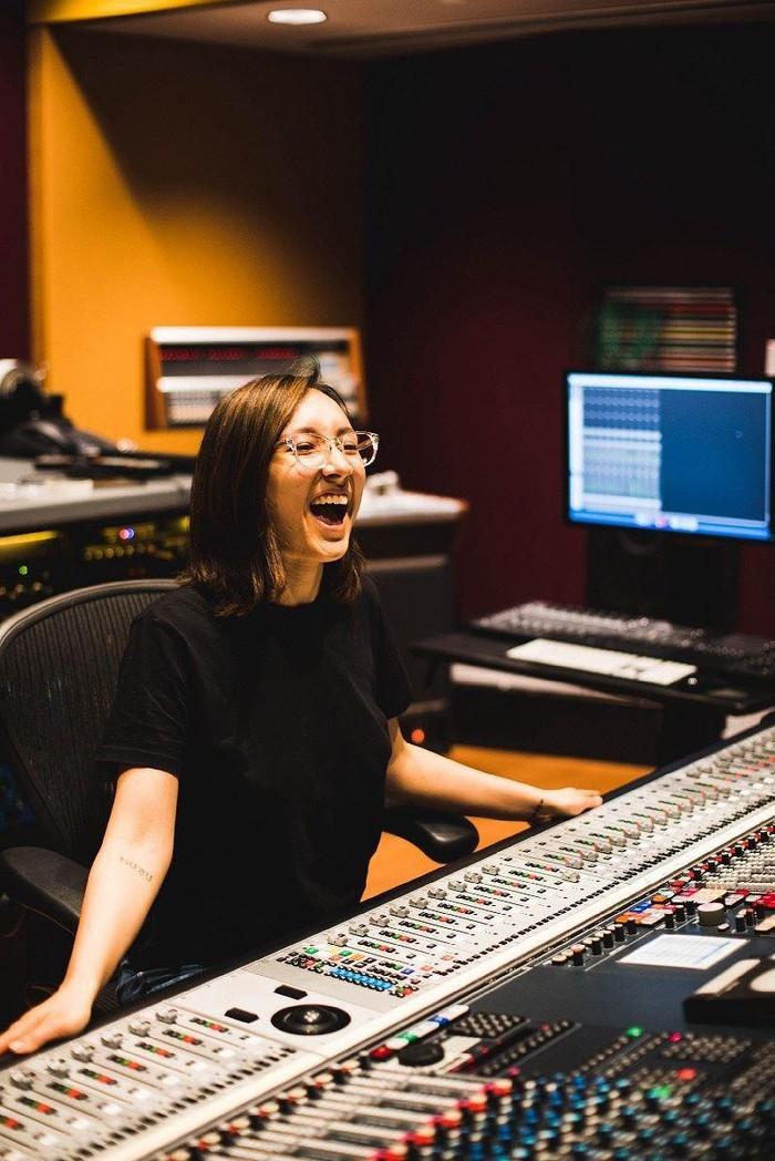 Con gái cả nhà ca sĩ Mỹ Linh và nhạc sĩ Anh Quân là kĩ sư phối nhạc của Frozen 2. (Ảnh: IG)  - Tin sao Viet - Tin tuc sao Viet - Scandal sao Viet - Tin tuc cua Sao - Tin cua Sao